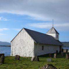 Kerk in Kirkjubøur, Faeroër Eilanden